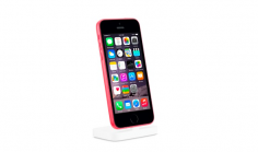 An iPhone 5c with touch iD shows up on the iPhone Lightning dock page – iPhone 6C ?