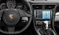 Porsche now supports CarPlay