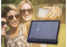 SunnyBAG PowerTAB: solar charger with built-in battery to recharge your iPhone and more